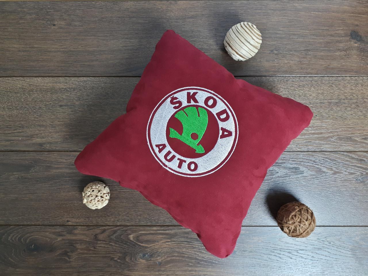 """Автомобильная подушка """"Skoda"""""""