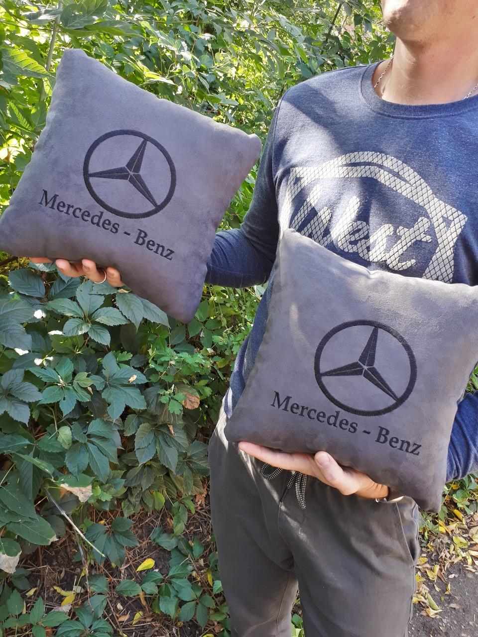 """Автомобильная подушка """"Mercedes"""""""