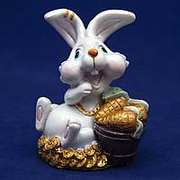 Фигурка сувенирная Кролик, морковка в ведре золота, 7,5см (440467-1)