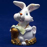 Фигурка сувенирная Кролик, морковка велика золота, 7,5см (440467-2)