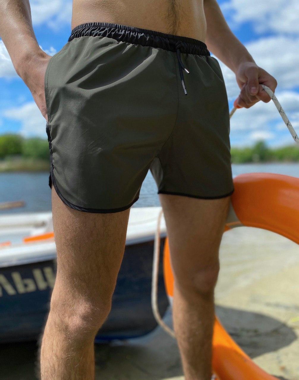 Пляжные шорты от Intruder | мужские шорты | шорты для плаванья  Цвет: олива с черным