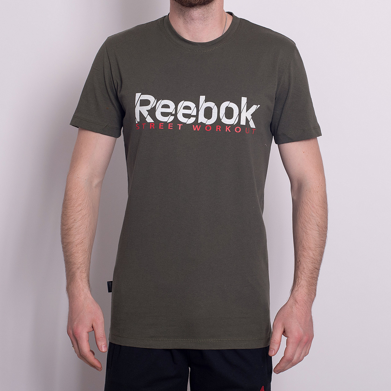 Чоловіча спортивна футболка Reebok, кольору хакі
