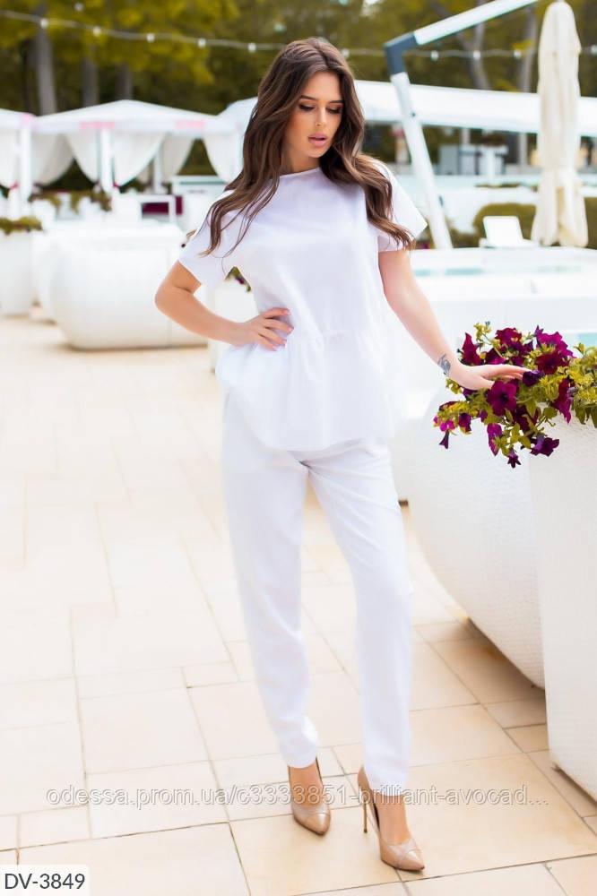 Модный летний льняной костюм с блузкой и брюками