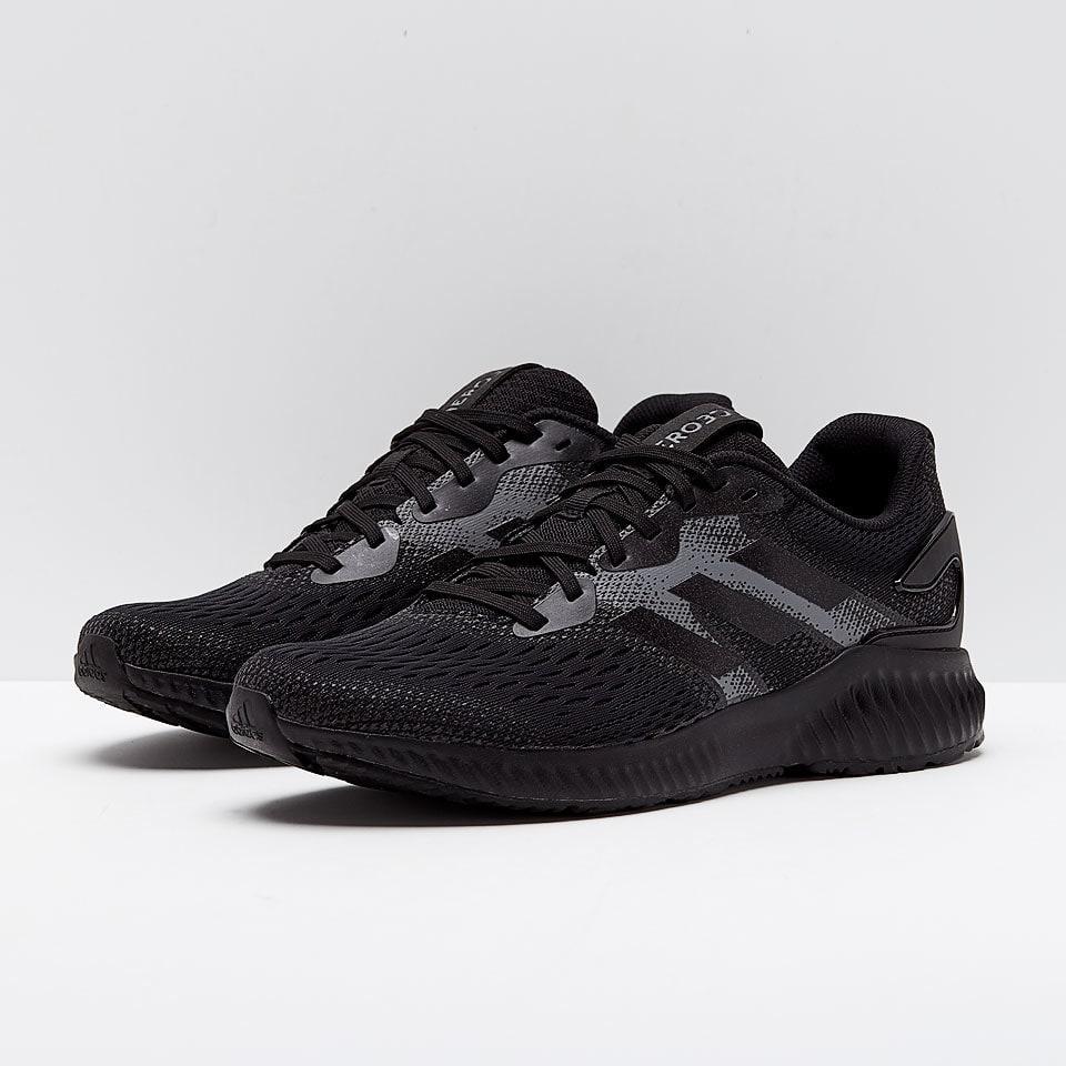 Кроссовки Adidas Aerobounce