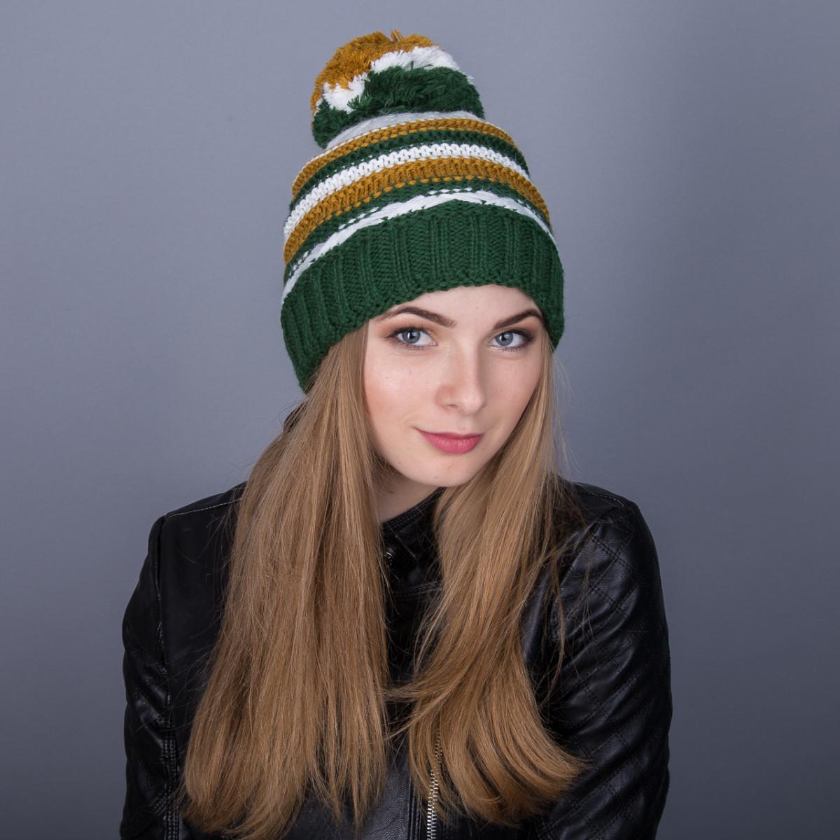 Молодежная зимняя женская шапка с помпоном из ангорки - Артикул 7048