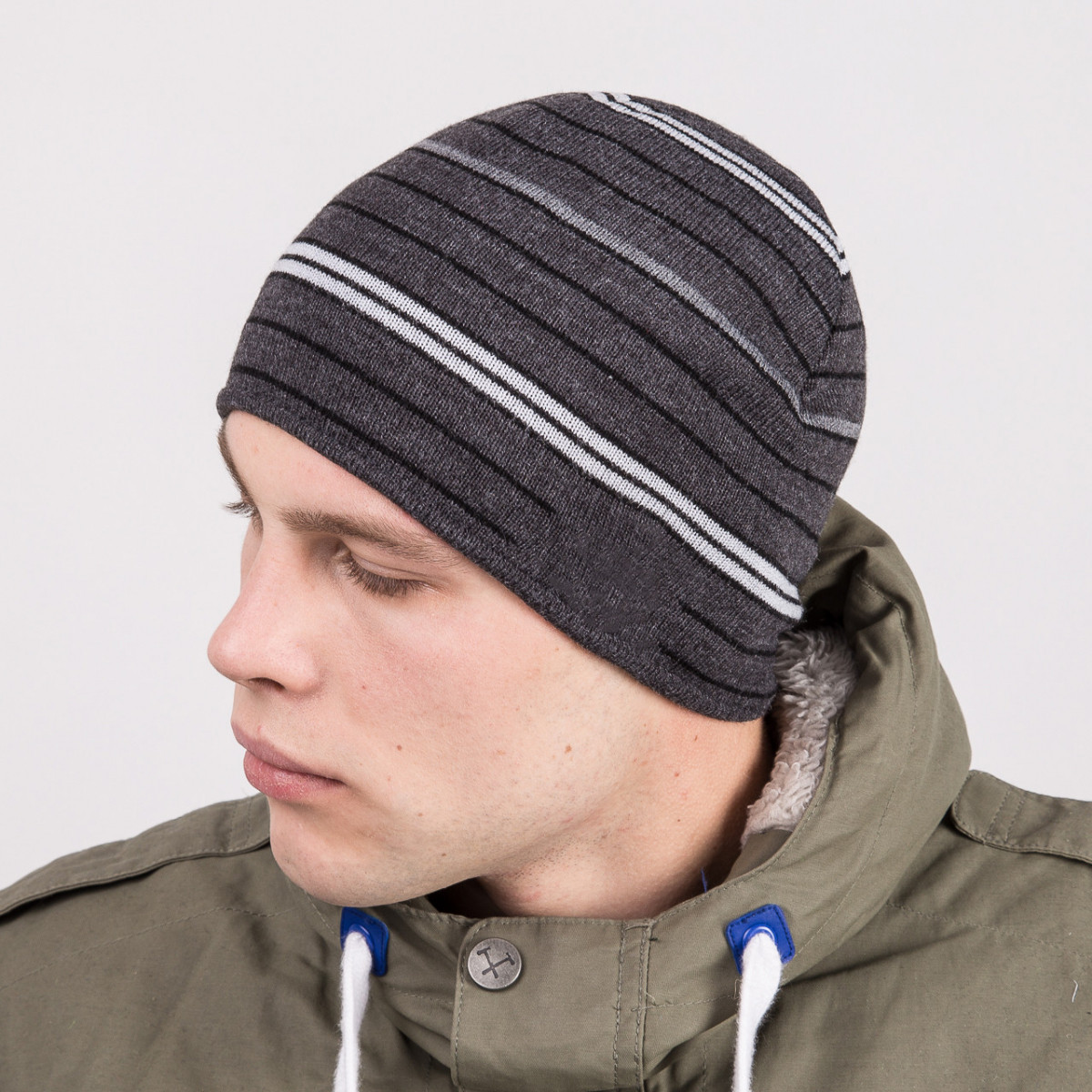 Молодежная мужская зимняя шапка casual в полоску - Артикул m57с