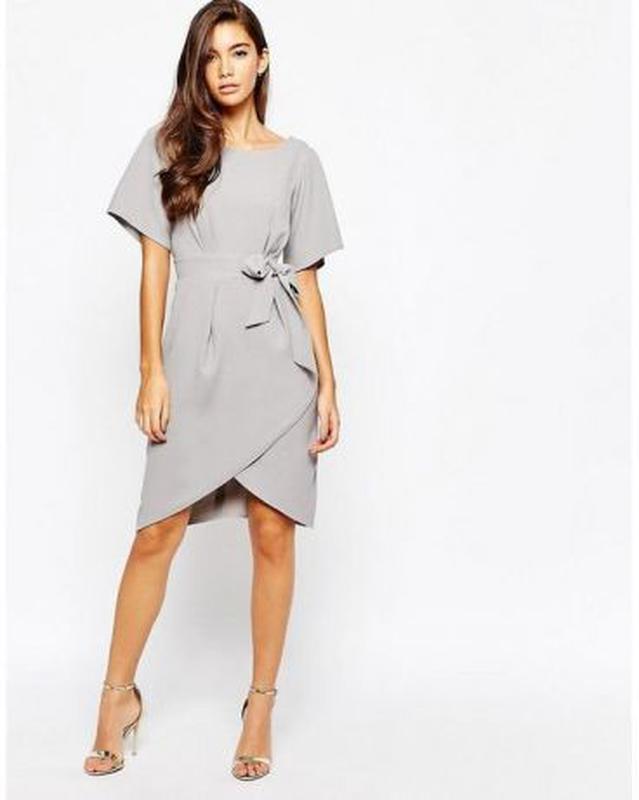 Платье с рукавами‑кимоно и завязкой спереди Closet London