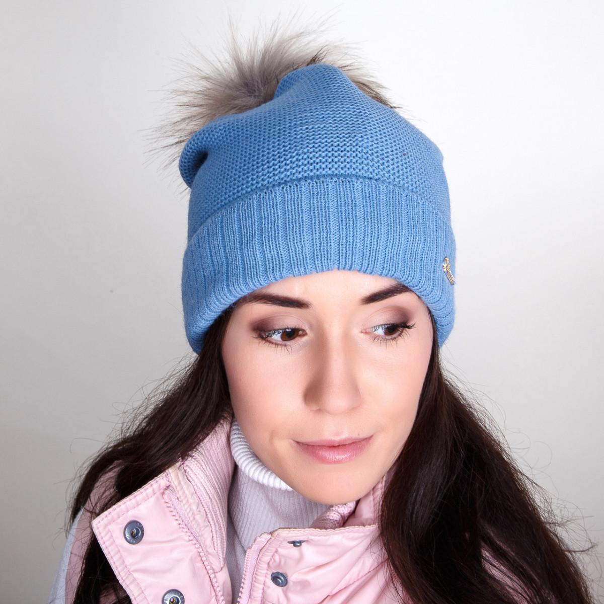 Стильная зимняя шапка с меховым помпоном для женщин - Артикул pg-1
