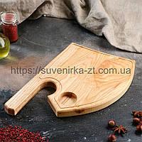 Деревянные доски для подачи с углублением для соусницы. Топор. (A01002), фото 1
