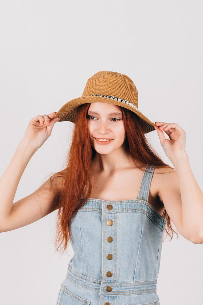 Шляпка федора Гелия капучиновая