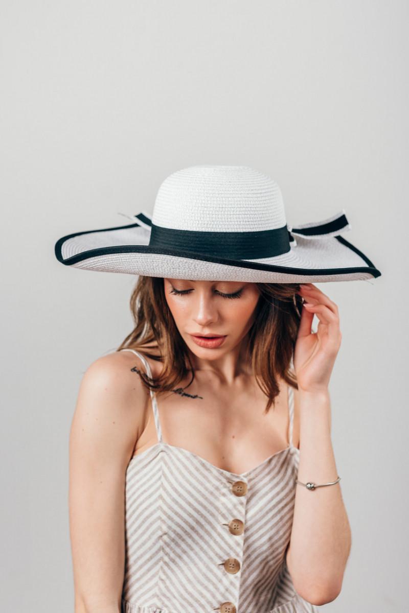 Шляпка широкополая Чико белая