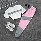 Женский летний спортивный костюм с укороченной футболкой на резинке и штанами со светоотражающими вставками 66spt925Q, фото 2