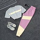 Женский летний спортивный костюм с укороченной футболкой на резинке и штанами со светоотражающими вставками 66spt925Q, фото 4