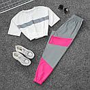Женский летний спортивный костюм с укороченной футболкой на резинке и штанами со светоотражающими вставками 66spt925Q, фото 5