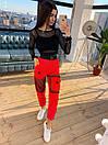 Женский брючный костюм с черным топом в сетку и штанами карго 66kos714Е, фото 3
