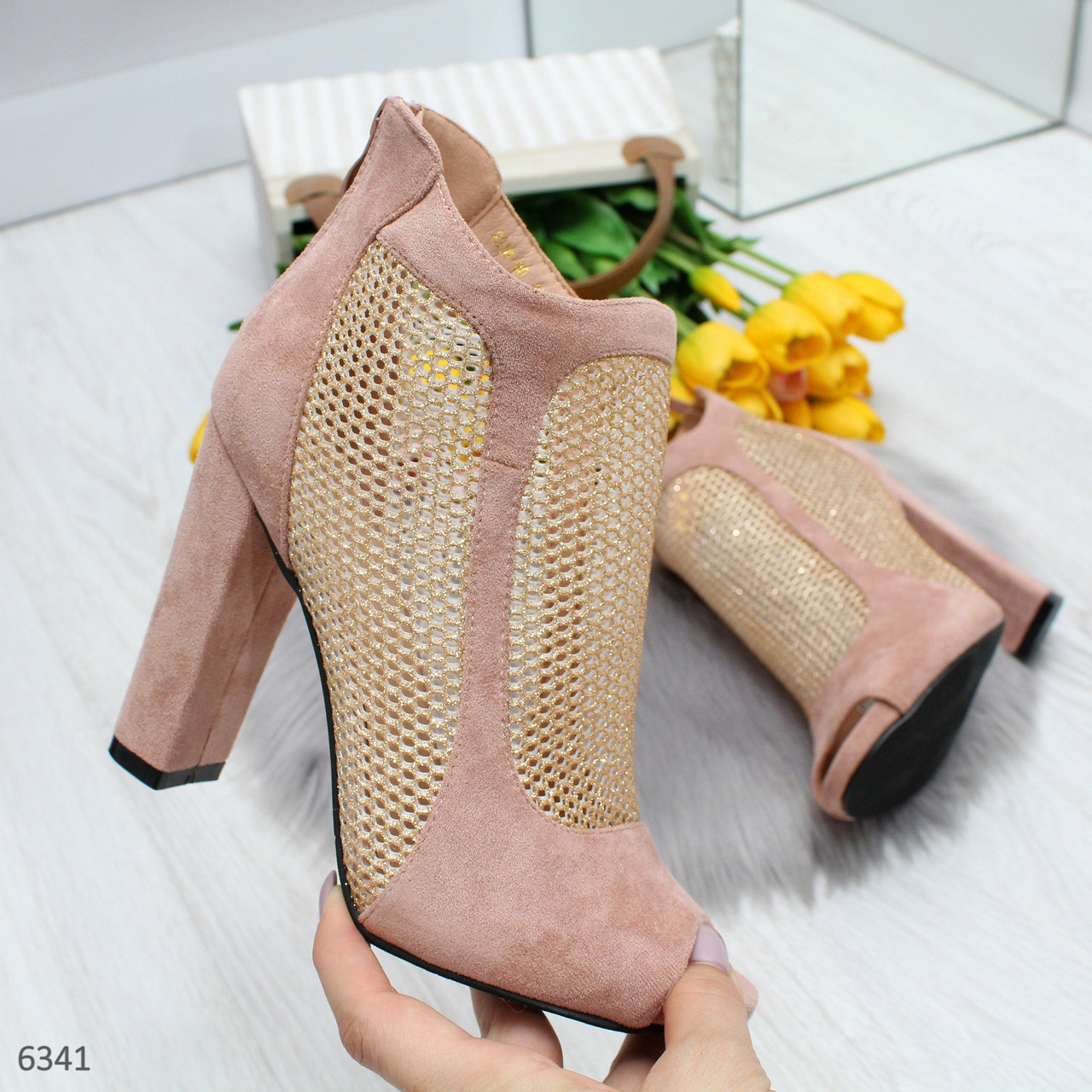 Женские замшевые закрытые босоножки на каблуке со сквозной сеткой OB6340