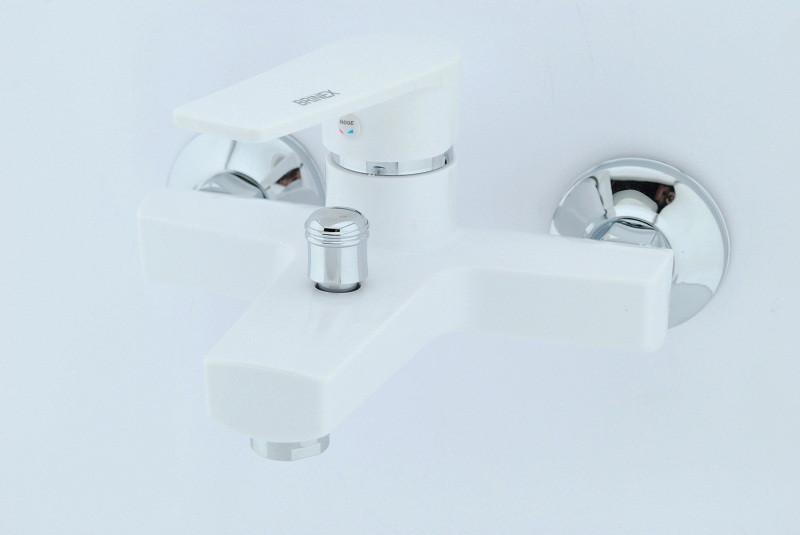 Смеситель для ванны из термопластичного пластика SW Brinex 006 W