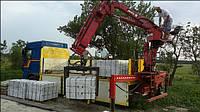 Кран-манипулятор осуществляет транспортные услуги по доставке грузов до 30 тн и их выгрузку.