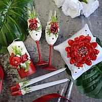 Набор свадебных аксессуаров в красном цвете