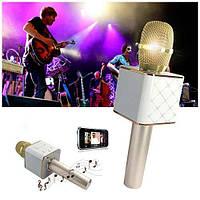 Беспроводной караоке микрофон со встроенной колонкой Q7 / Портативный беспроводной микрофон