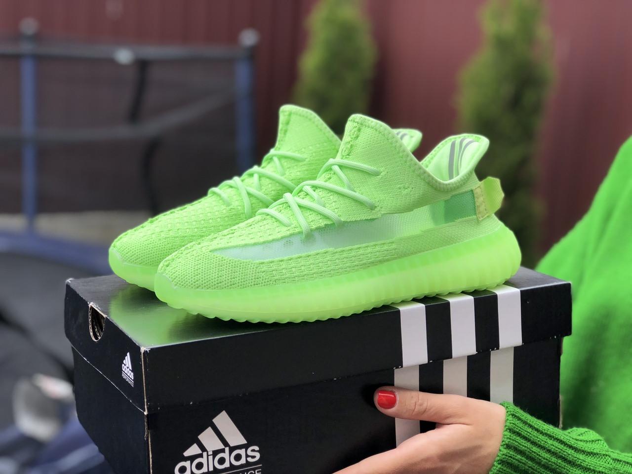 Модные кроссовки Adidas x Yeezy Boost,салатовые