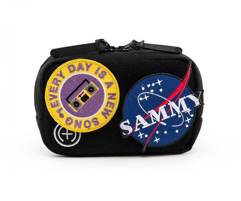 Стильная поясная сумка с яркими липучками от Sammy Icon