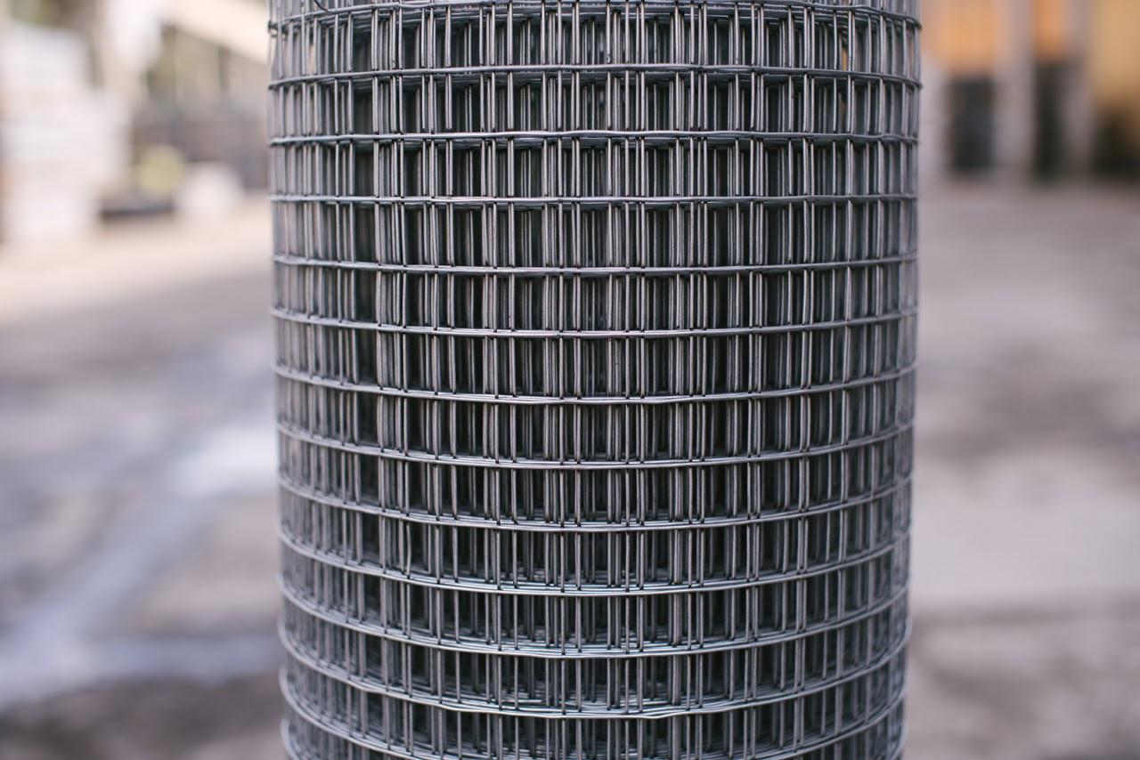 Сетка Сварная оцинкованная 12,5х12,5 мм Ø 0,7 мм высота 1 м рулон 30 м