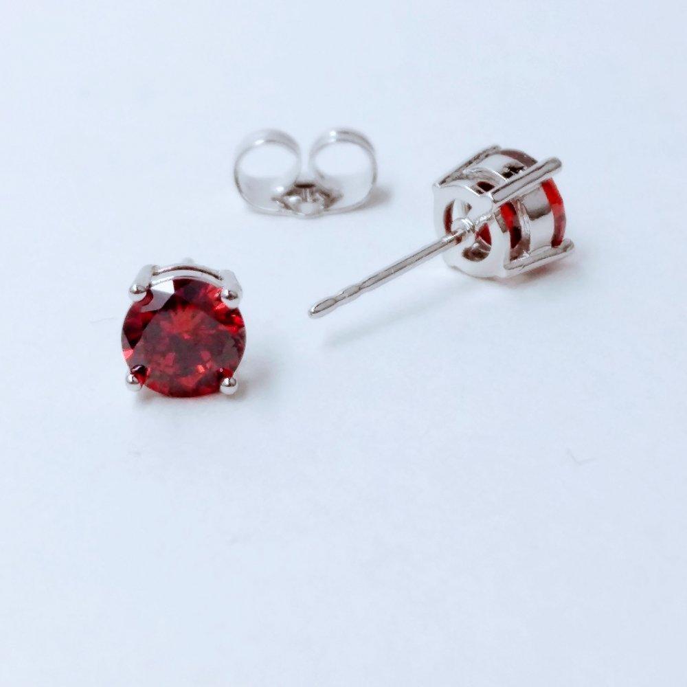 Серьги Xuping пусеты с камнем цвет красный d-6мм родий