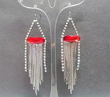Серьги-подвески с красными овальными кристаллами и цепочками, 95*23мм купить оптом в интернет магазине