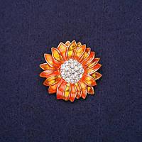 Брошь Цветок стразы эмаль цвет оранжевый 29мм золотистый металл купить оптом в интернет магазине