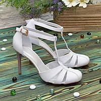 Босоножки женские кожаные на шпильке, цвет белый. 38 размер