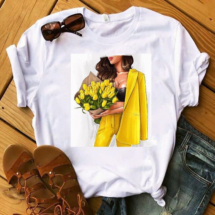 Жіноча футболка з модним малюнком