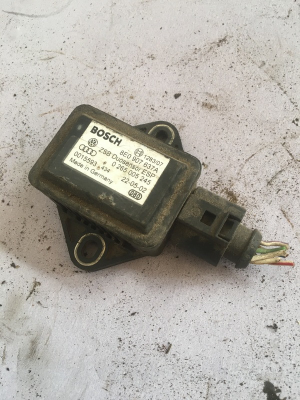 Датчик esp Volkswagen Passat b5 8e0907637a