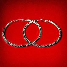Серьги-кольца итальянский замок с черными стразами большого размера светлый металл d-75мм