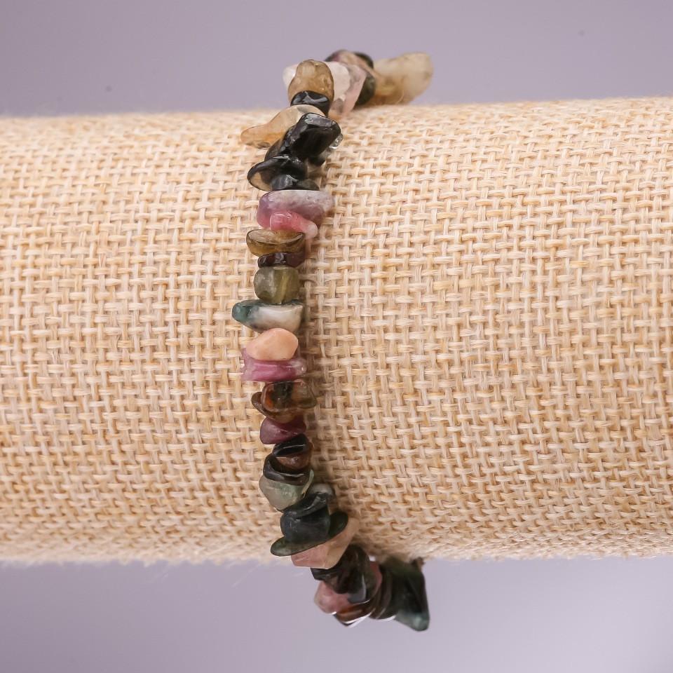 Браслет из натурального камня Турмалин крошка на резинке d- 5-8мм L-18см