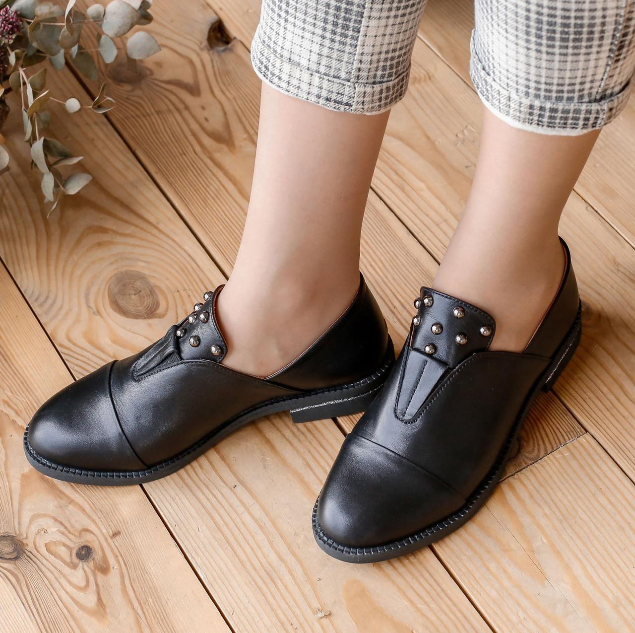 Туфли женские на низком ходу кожаные черные