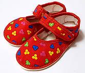 Детские тапочки пинетки для садика. 22-28 рр. Модель пинетки цветочки на красном