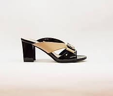 Сабо женские летние бежевый+черный на среднем каблуке искусственная лаковая  кожа 36