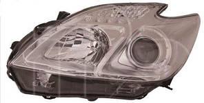 Правая фара Тойота PRIUS 12-15 H11+HB3+W5W