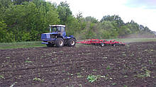 Трактор АТК 320. Двигатель Volvo 300 л.с.