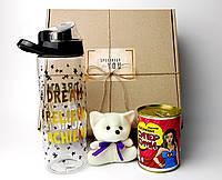 Подарочный набор куме: пластиковая спортивная бутылка, консервированные носки супер кумы, игрушечный талисман