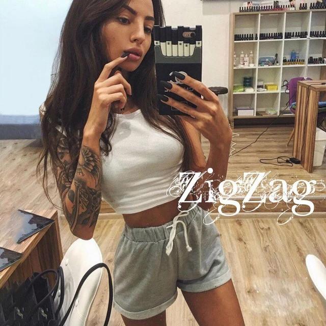 Купить серые женские короткие шорты с подворотом