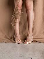 Лаковые босоножки на устойчивом каблуке светло персикового цвета