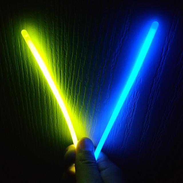 Светящиеся палочки неоновые