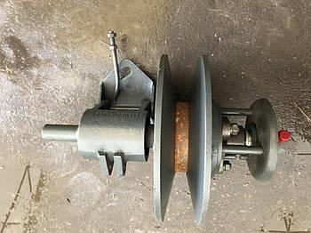 Вариатор жатки гидравлический нижний (в сборе с кронштейном) ДОН-1500