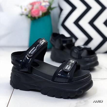 Женские стильные черные босоножки на черной платформе Horoso Fashion Размери: 41.