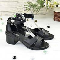 Босоножки женские кожаные на каблуке, цвет черный. 37 размер