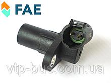 Датчик положения коленвала на Renault Trafic / Opel Vivaro 1.9dCi (2001-2006) FAE (Испания) FAE79183