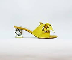 Сабо женские летние Glossi желтые натуральная кожа на среднем каблуке