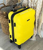 Пластиковый чемодан маленький желтый для ручной клади, фото 2